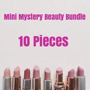 Other - 👄 Mini Mystery Beauty Bundle 👄